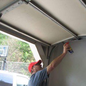 Onderhoud de garagedeur met deze tips!