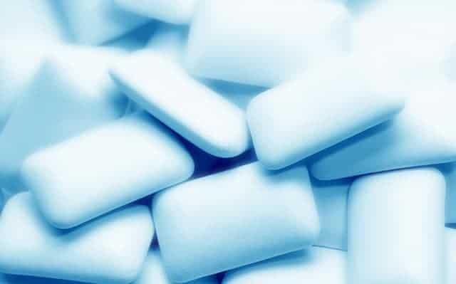 WD-40-kauwgom-chewing-gum
