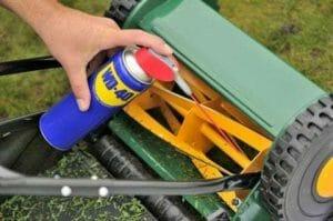 Comment utiliser WD-40 pour le jardin ?